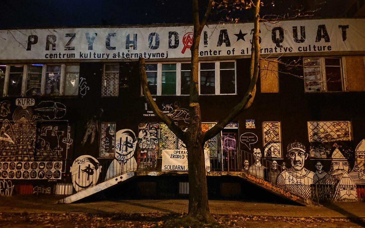 Entinen psykiatrinen sairaala toimi keikkapaikkana Varsovassa.