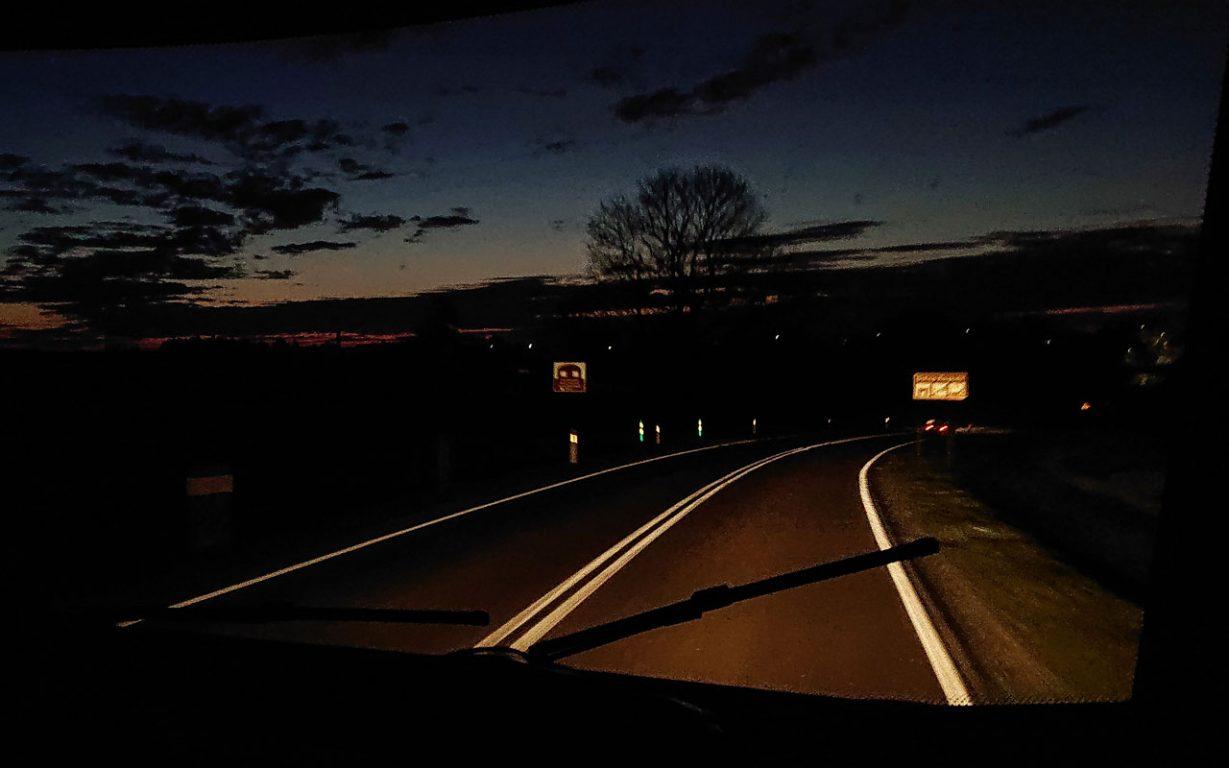 Lähtö matkailuautolla Itä-Euroopan kiertueelle oli erinomainen idea. Nyt kotiin yötä myöten.