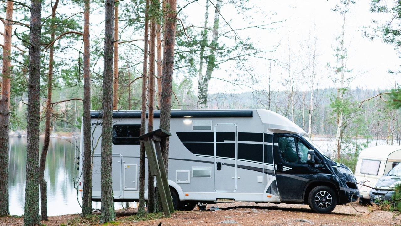 Sunlight T68 XV matkailuauto sopii B-ajokortille