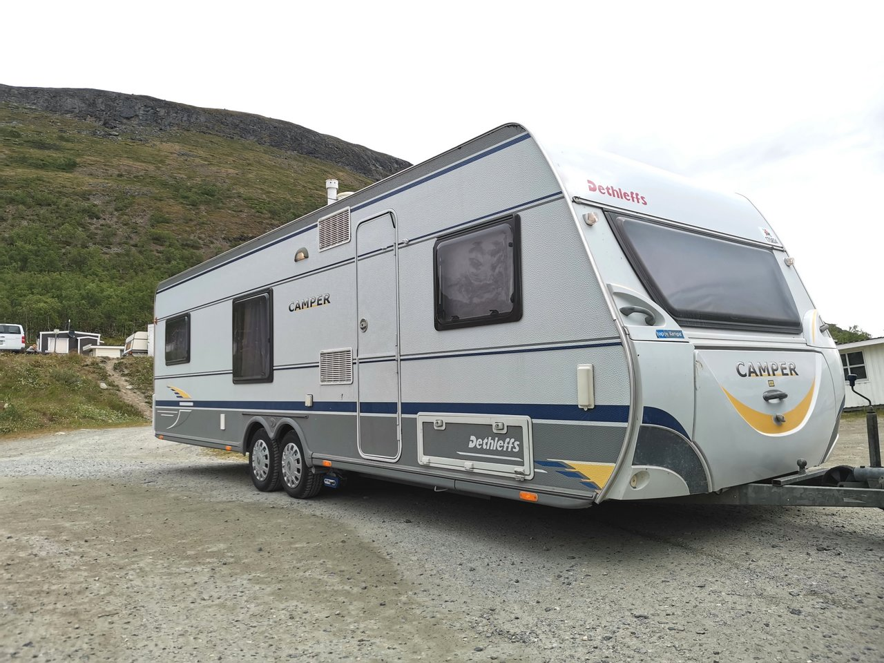 Kurkista lapsiperheen matkakotiin, Dethleffs Camper 740TK:n