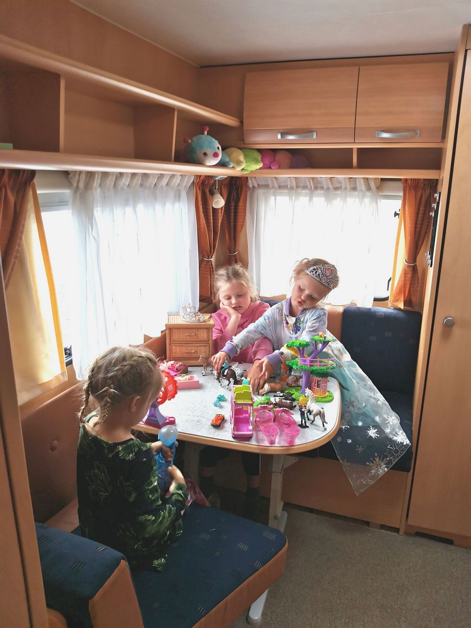 Lapsiperheen matkakotiin mahtuu myös lasten leikkinurkkaus.